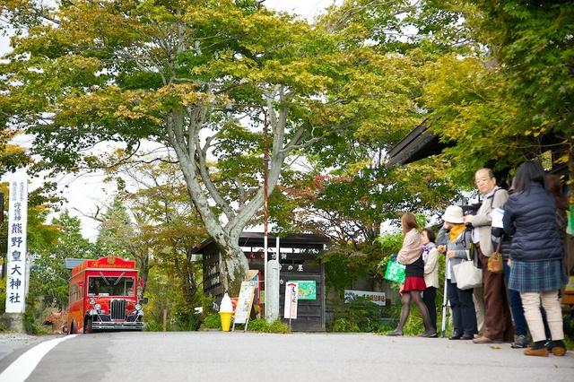 旧軽井沢赤いバス18