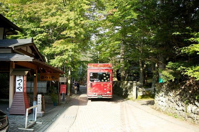 旧軽井沢赤いバス03