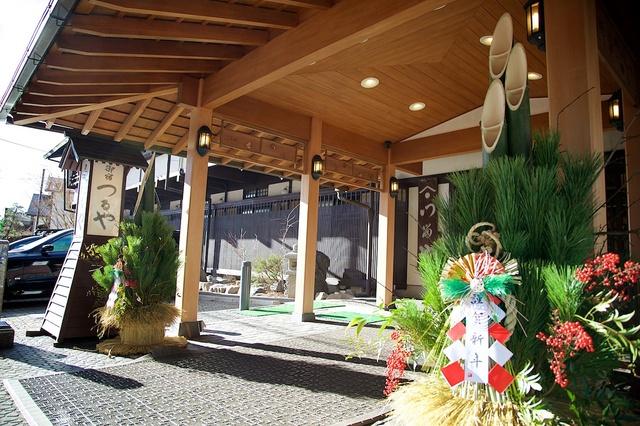 軽井沢つるや旅館の門松01